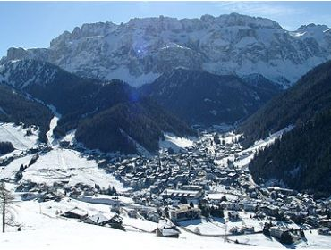 Ski village Small winter sport village at a high altitude with perfect ski options-3