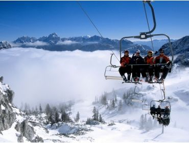 Ski village Sunny ski resort with good winter sports facilities-1
