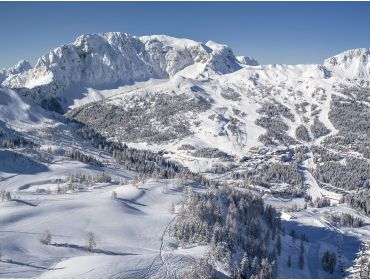 Ski village Sunny ski resort with good winter sports facilities-4