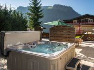Chalet-apartment l'Ours with outside-Jacuzzi