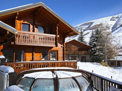 Chalet Le Soleil Levant with private swimming pool-1