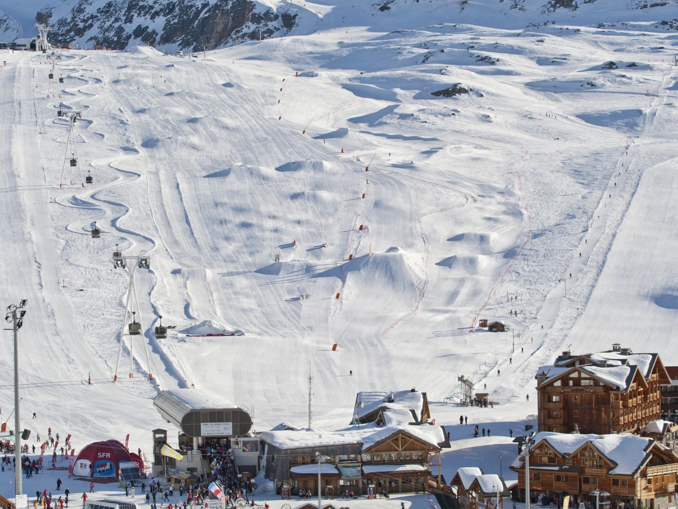 Chalets for winter sports in Alpe dHuez Grand Domaine