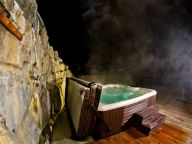 Apartment La Belette with outside-Jacuzzi