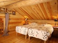 Chalet Leslie Alpen with sauna and whirlpool bath